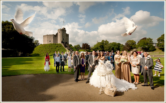 Cardiff Castle, dove wedding photograph