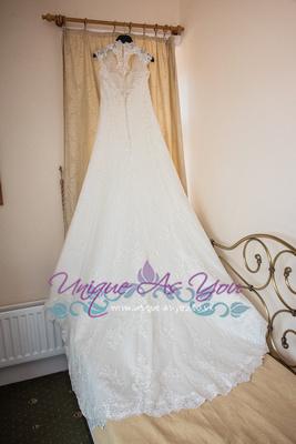 Caer LLan, Monmouthshire wedding photograph